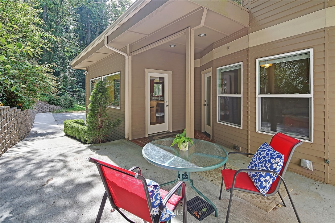 Sold Property | 4034 NE 195th Street Lake Forest Park, WA 98155 34