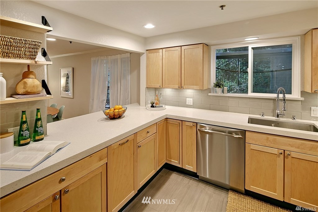 Sold Property | 1311 12th Avenue S #C105 Seattle, WA 98144 5