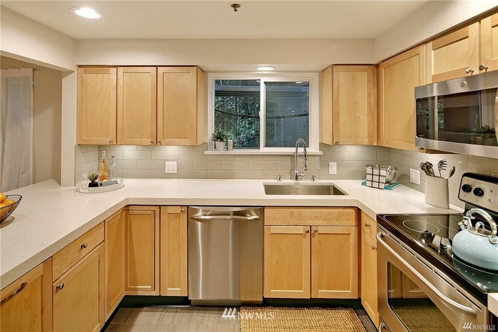Sold Property | 1311 12th Avenue S #C105 Seattle, WA 98144 6
