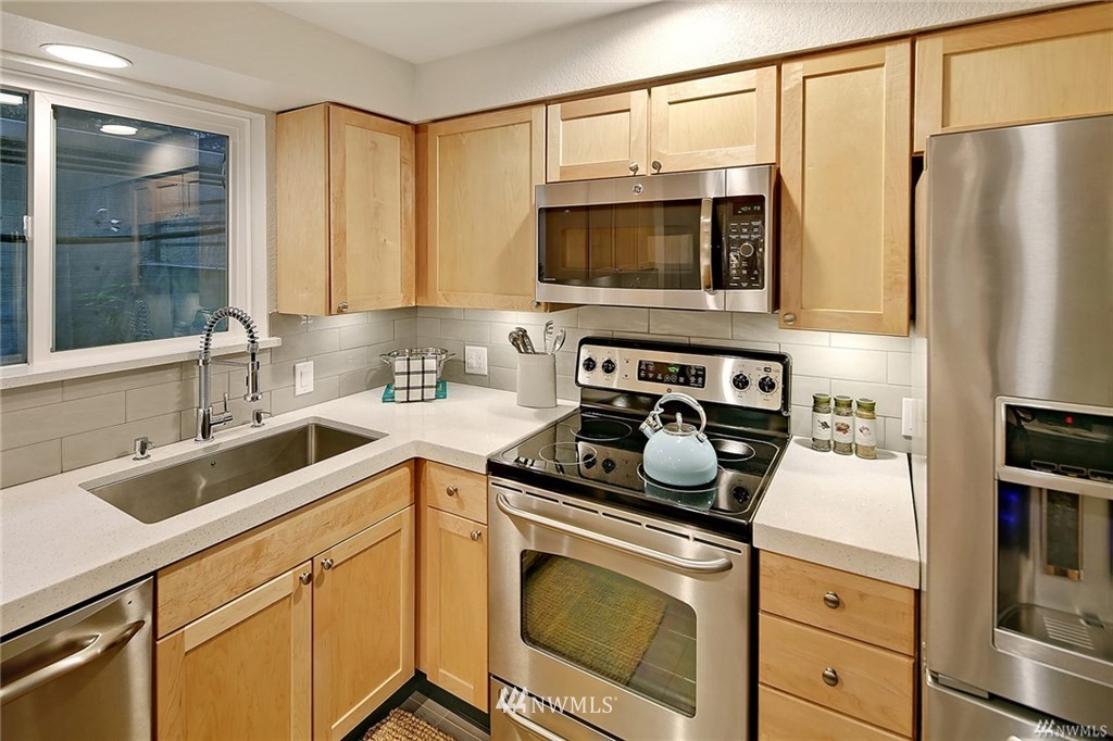 Sold Property | 1311 12th Avenue S #C105 Seattle, WA 98144 7