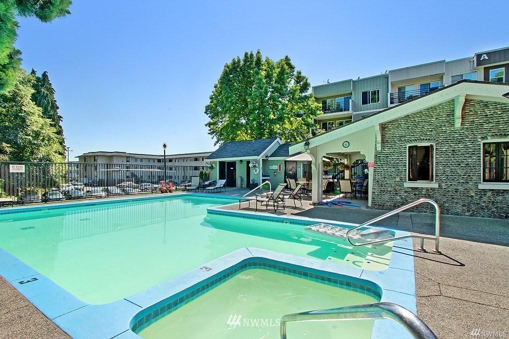 Sold Property | 1311 12th Avenue S #C105 Seattle, WA 98144 18