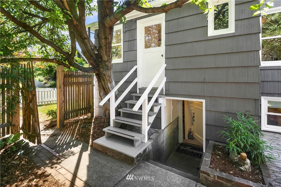 Sold Property | 7539 Brooklyn Avenue NE Seattle, WA 98115 17
