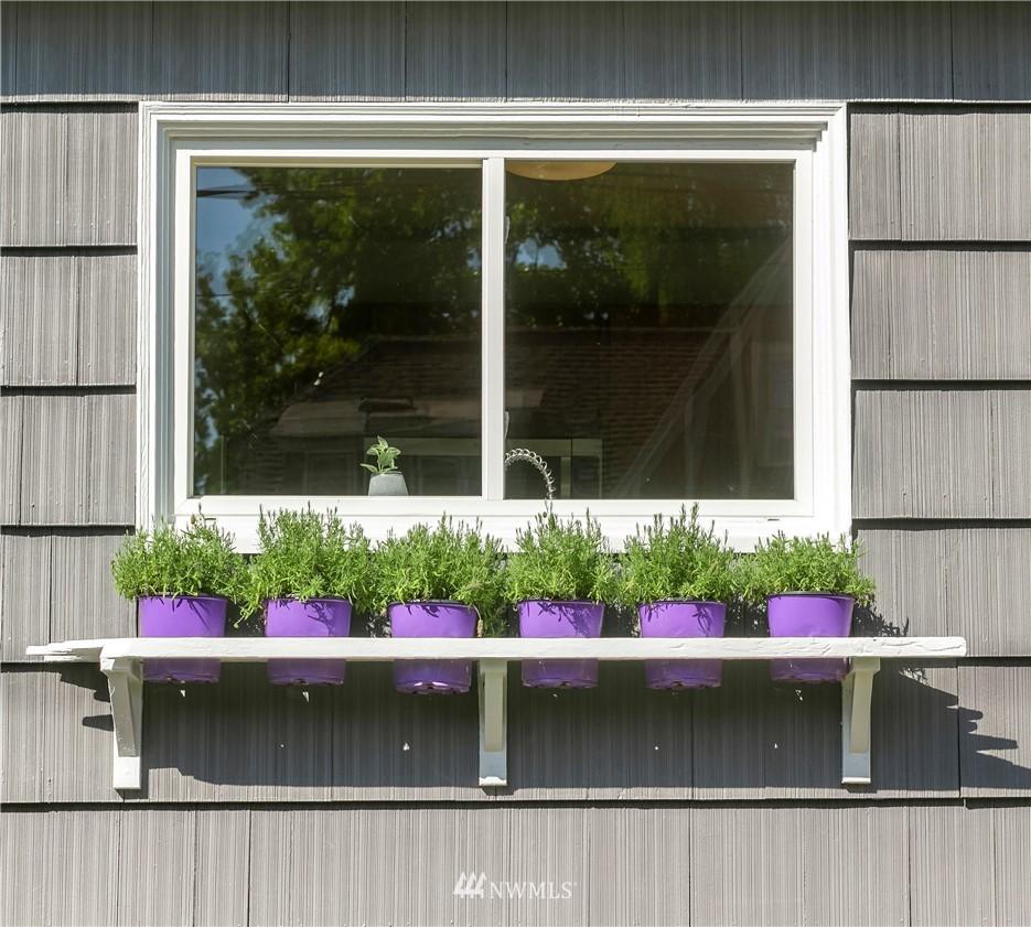 Sold Property | 7539 Brooklyn Avenue NE Seattle, WA 98115 30