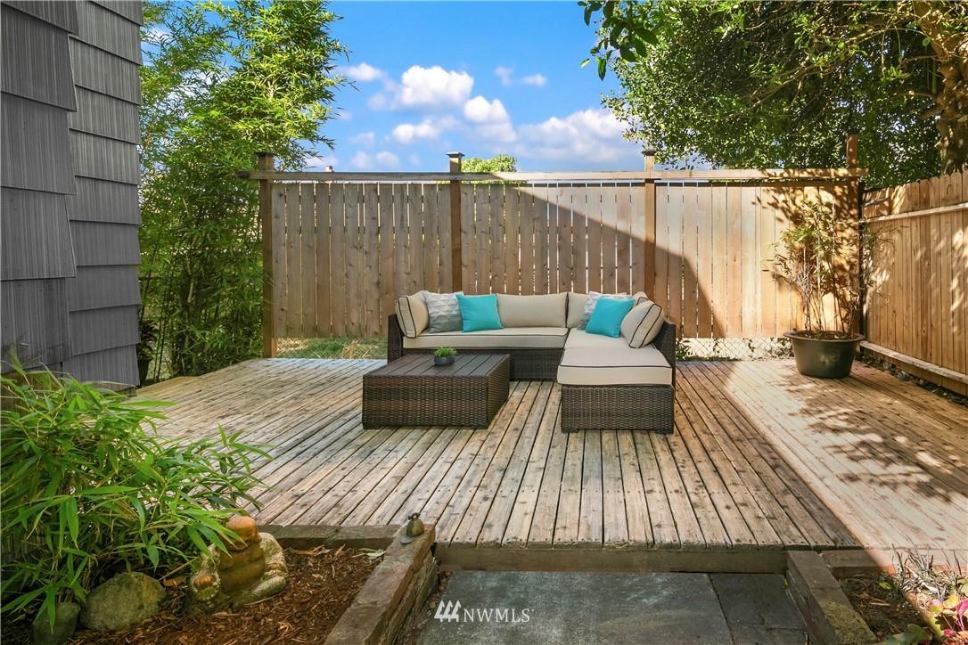 Sold Property | 7539 Brooklyn Avenue NE Seattle, WA 98115 27