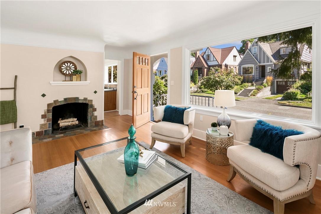 Sold Property | 7539 Brooklyn Avenue NE Seattle, WA 98115 4