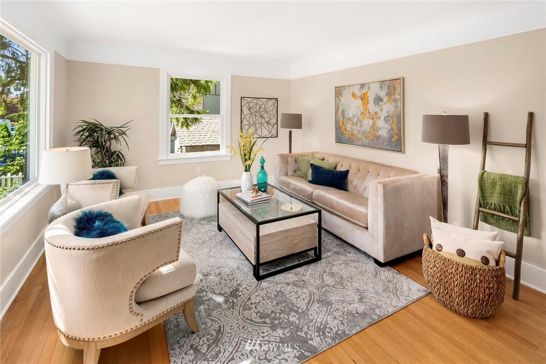 Sold Property | 7539 Brooklyn Avenue NE Seattle, WA 98115 2