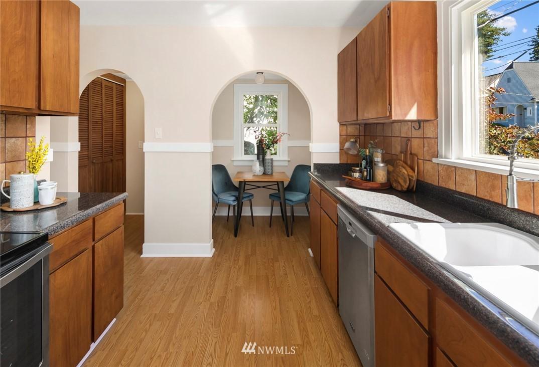 Sold Property | 7539 Brooklyn Avenue NE Seattle, WA 98115 6