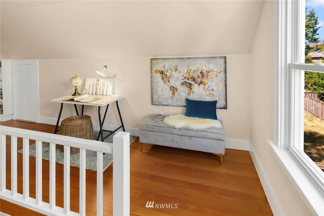 Sold Property | 7539 Brooklyn Avenue NE Seattle, WA 98115 13