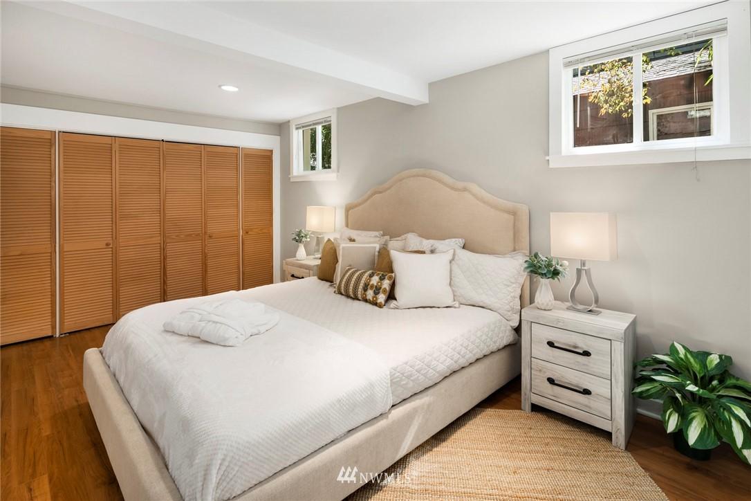 Sold Property | 7539 Brooklyn Avenue NE Seattle, WA 98115 22