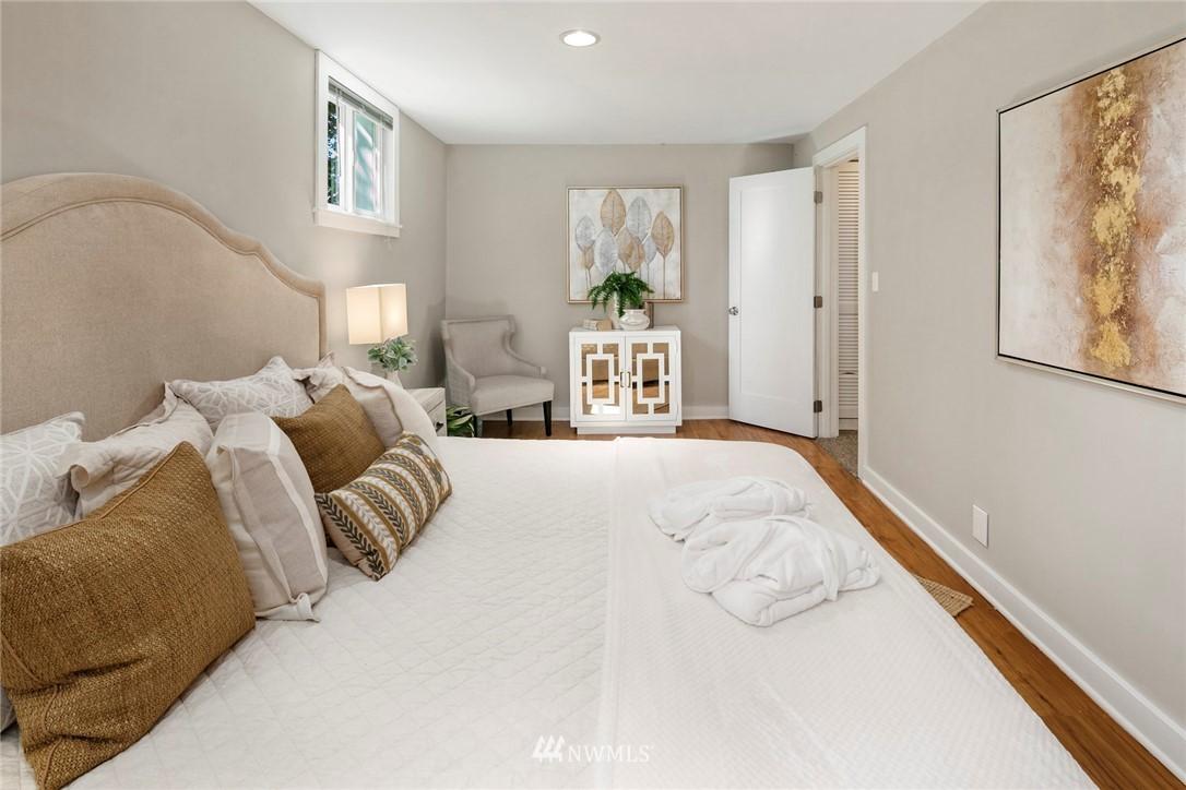 Sold Property | 7539 Brooklyn Avenue NE Seattle, WA 98115 23