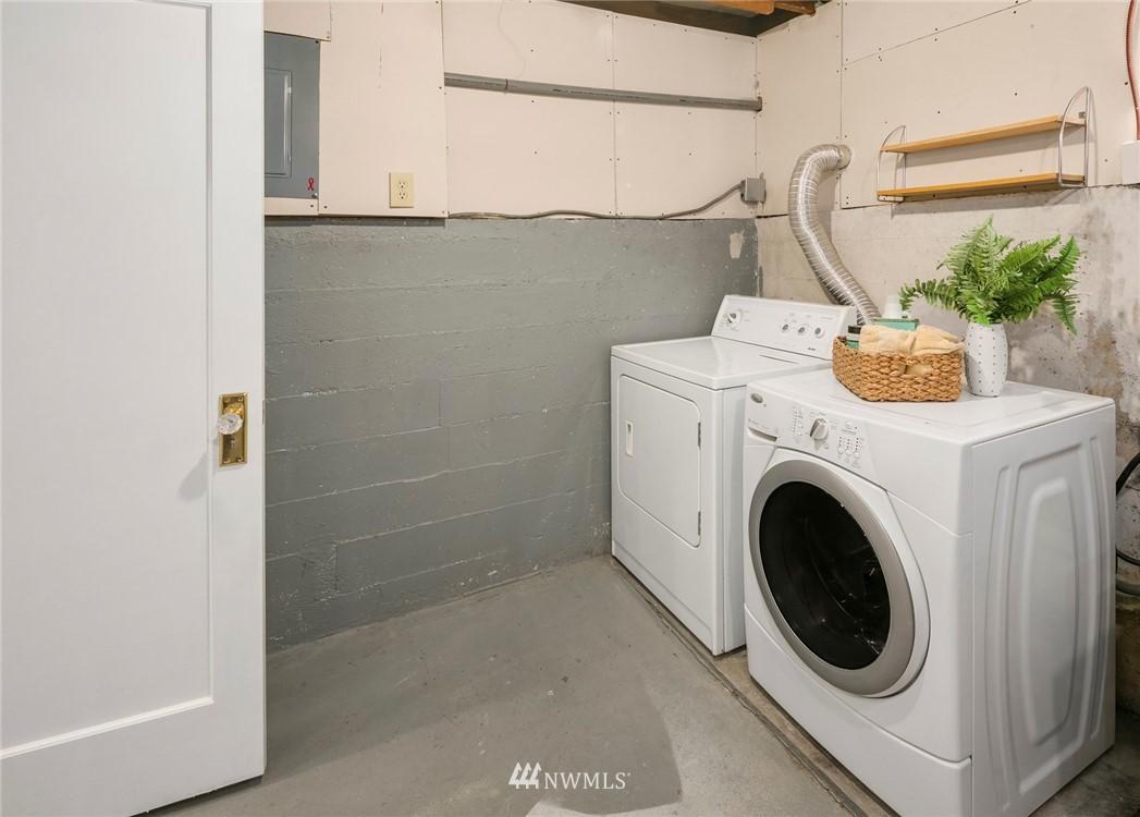 Sold Property | 7539 Brooklyn Avenue NE Seattle, WA 98115 25