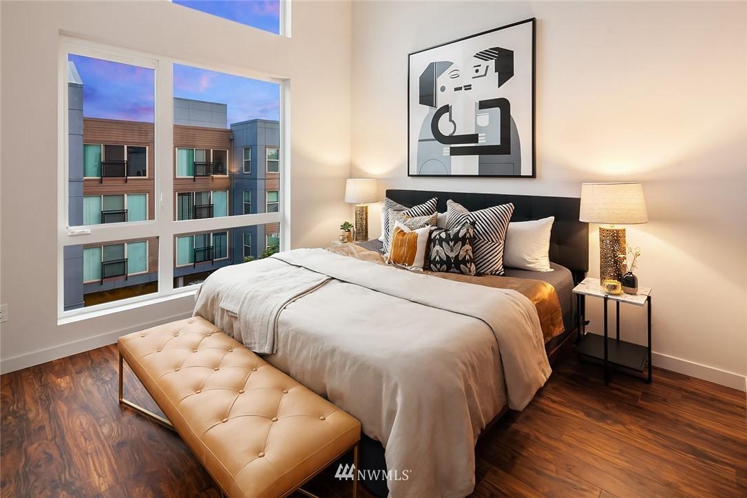 Sold Property   304 N 107th Street Seattle, WA 98133 16