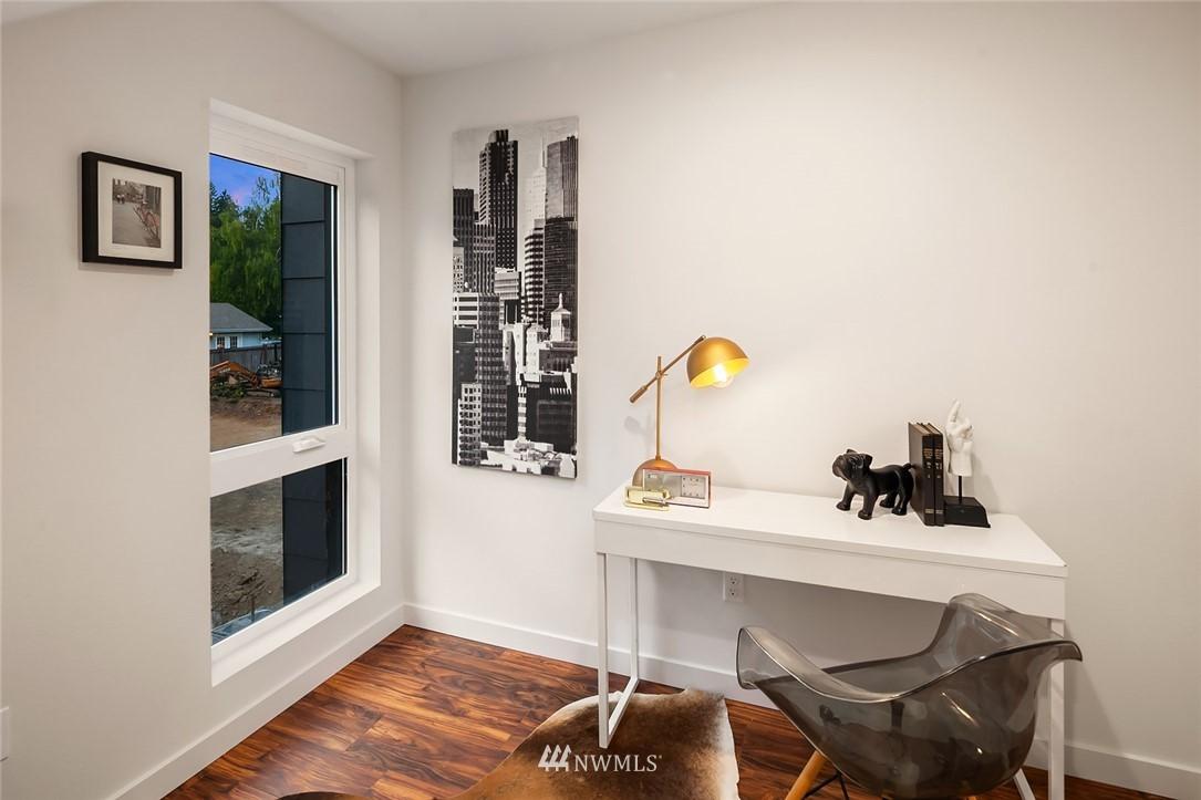 Sold Property   304 N 107th Street Seattle, WA 98133 10