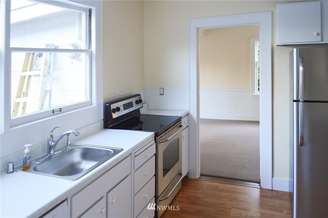 Sold Property | 4720 47th Avenue NE Seattle, WA 98105 7