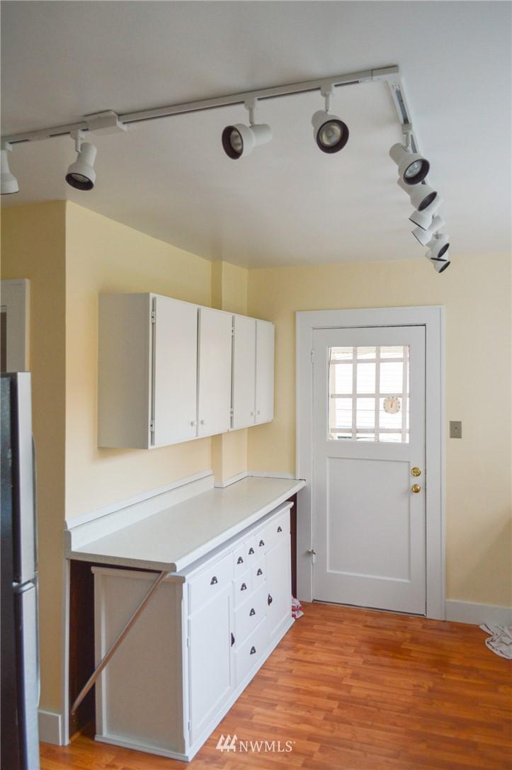 Sold Property | 4720 47th Avenue NE Seattle, WA 98105 9