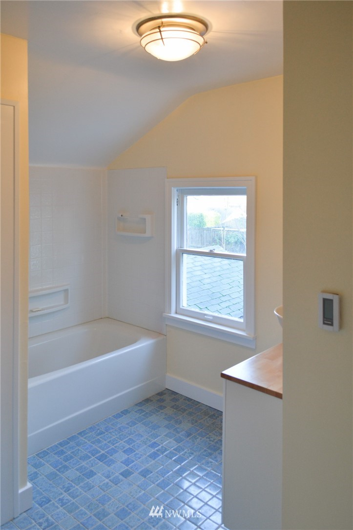 Sold Property | 4720 47th Avenue NE Seattle, WA 98105 17