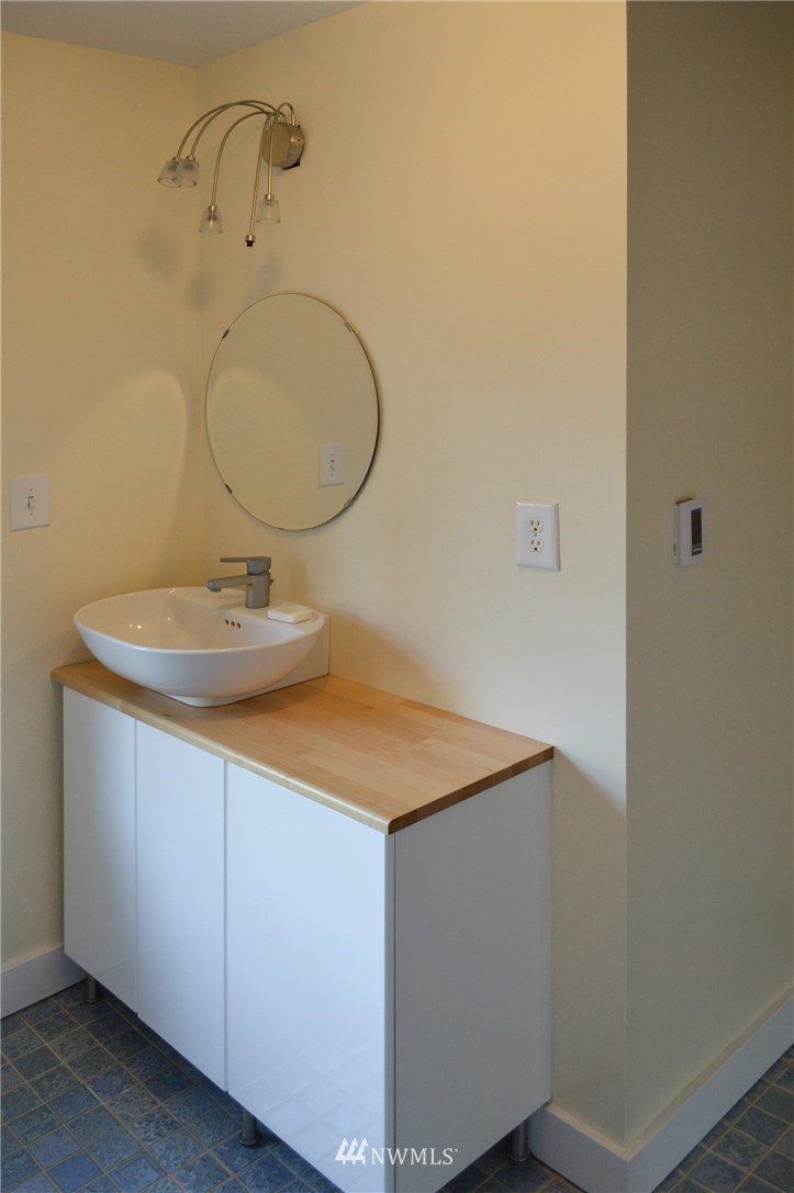 Sold Property | 4720 47th Avenue NE Seattle, WA 98105 18