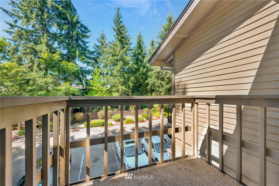 Sold Property | 14630 NE 35th Street #303 Bellevue, WA 98007 10
