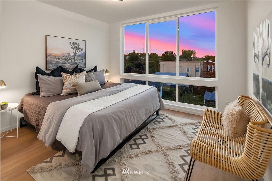 Sold Property   2616 E Yesler Way Seattle, WA 98122 13