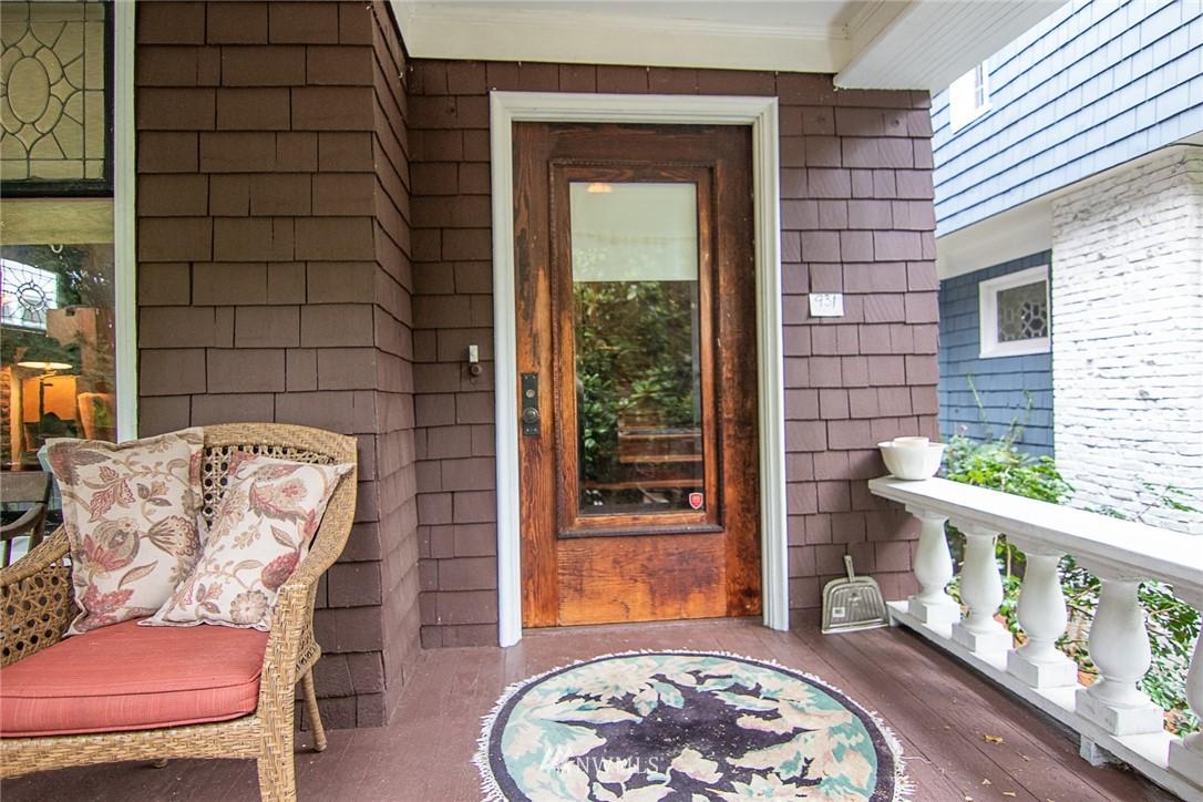Sold Property | 931 19th Avenue E Seattle, WA 98112 1