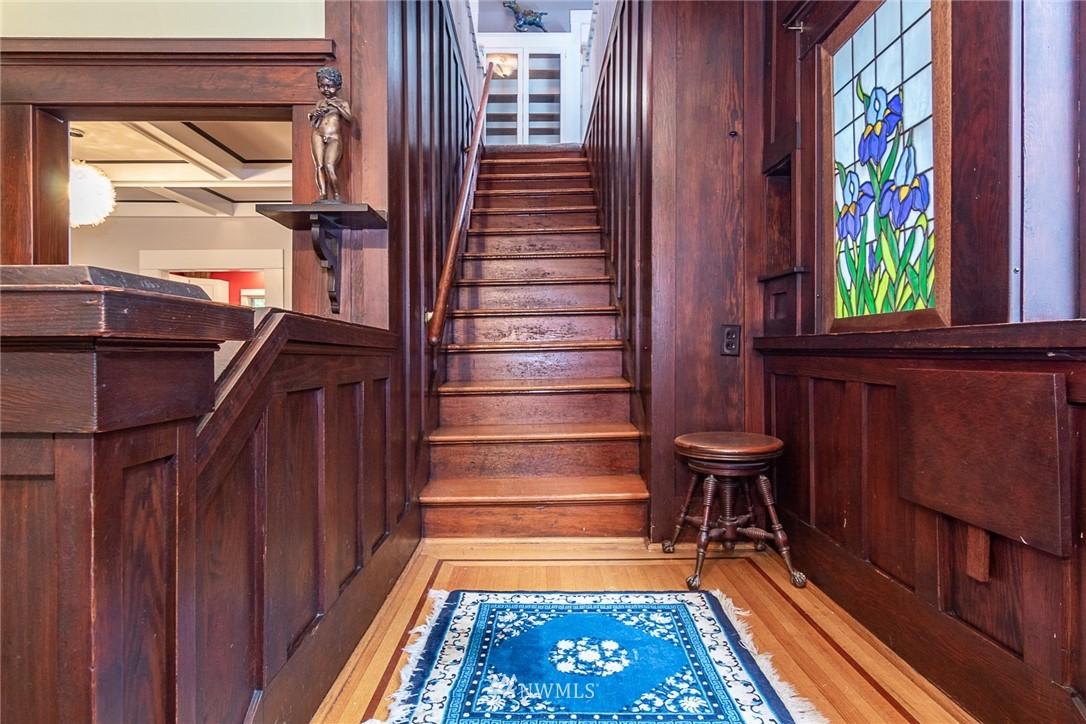 Sold Property | 931 19th Avenue E Seattle, WA 98112 3