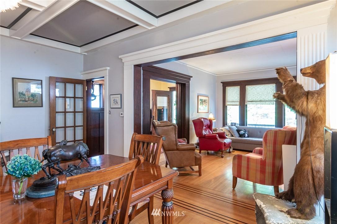 Sold Property | 931 19th Avenue E Seattle, WA 98112 5