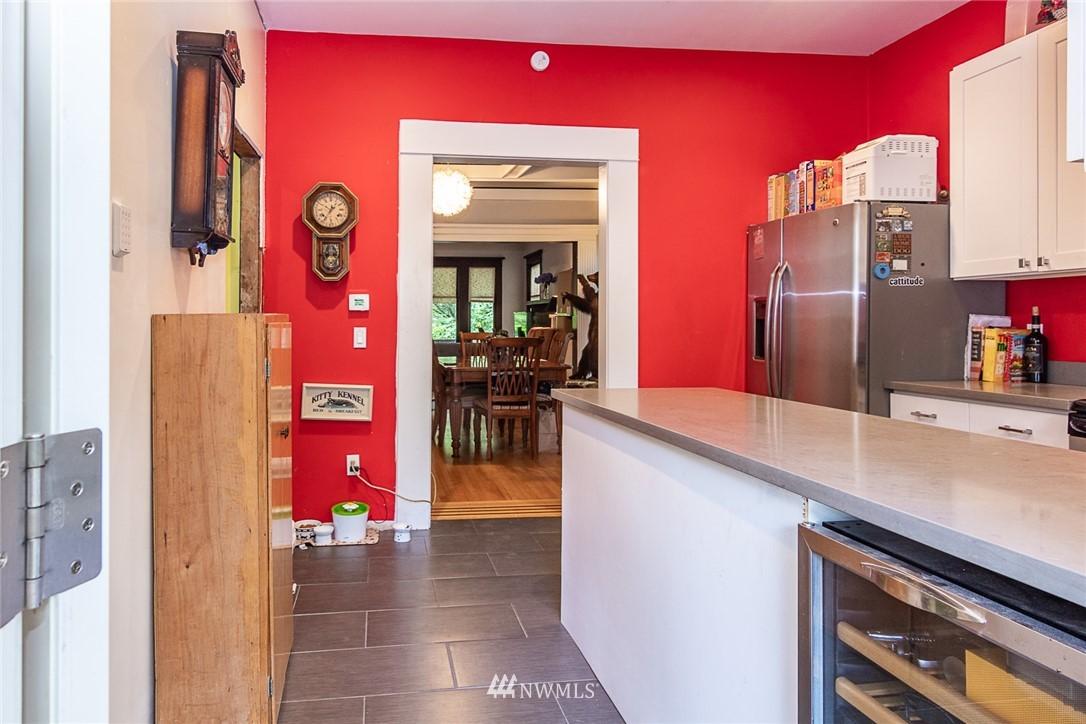 Sold Property | 931 19th Avenue E Seattle, WA 98112 8