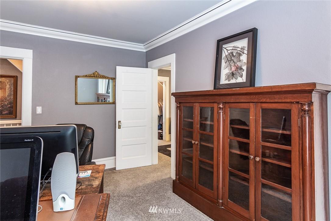 Sold Property | 931 19th Avenue E Seattle, WA 98112 12