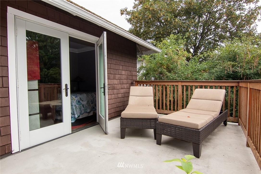 Sold Property | 931 19th Avenue E Seattle, WA 98112 18