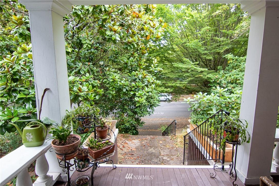Sold Property | 931 19th Avenue E Seattle, WA 98112 20