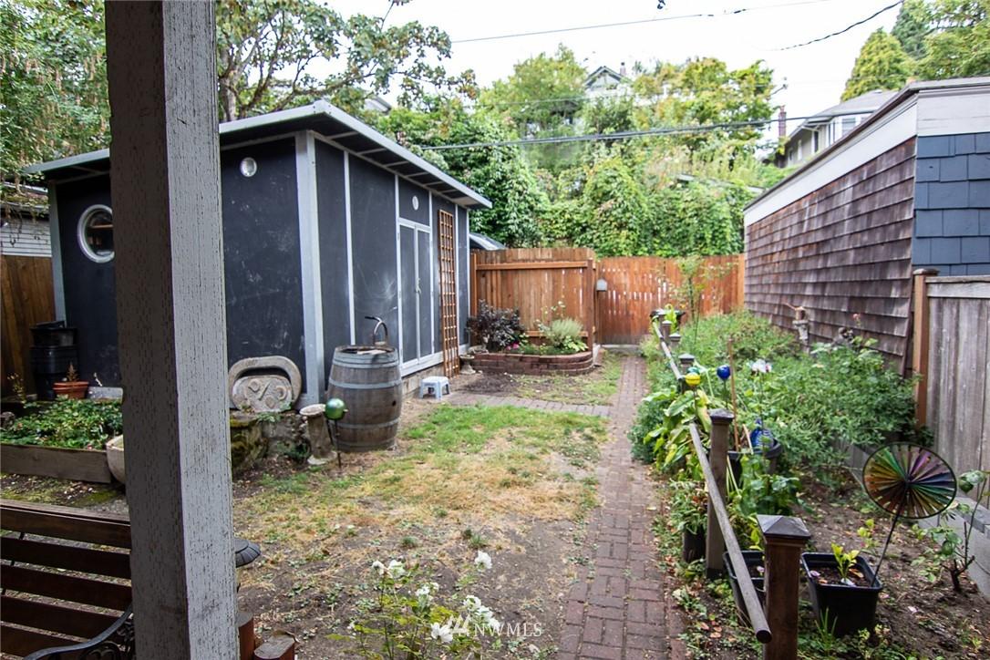 Sold Property | 931 19th Avenue E Seattle, WA 98112 21