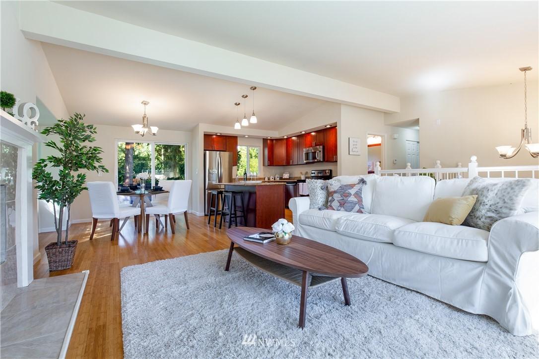Sold Property   13311 17th Avenue NE Seattle, WA 98125 6