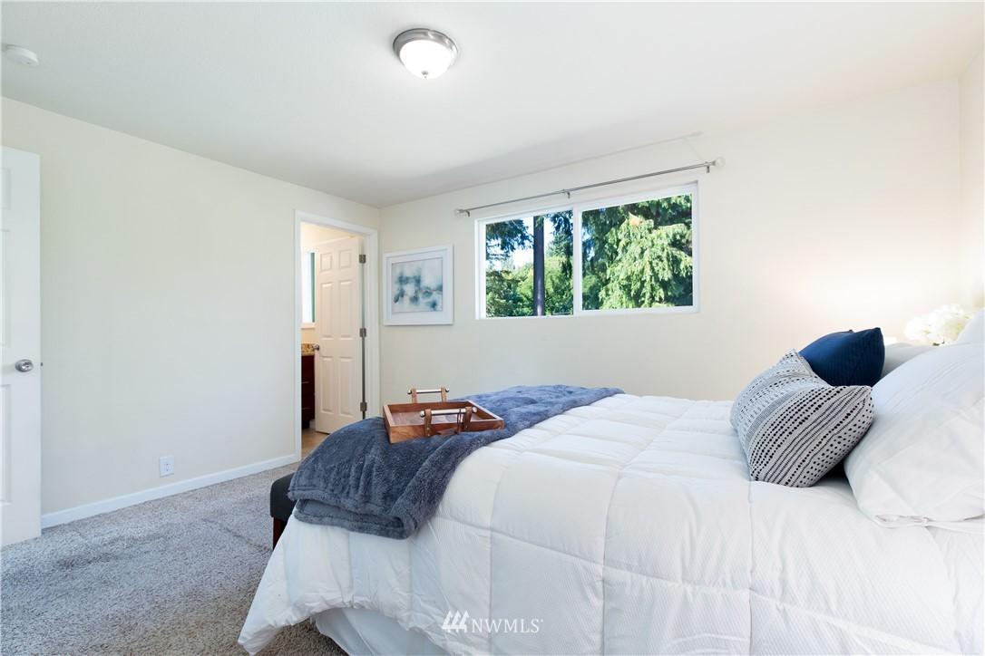 Sold Property   13311 17th Avenue NE Seattle, WA 98125 8