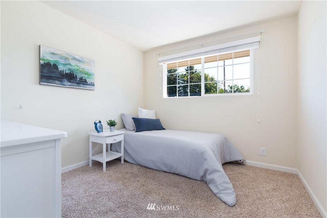 Sold Property   13311 17th Avenue NE Seattle, WA 98125 12