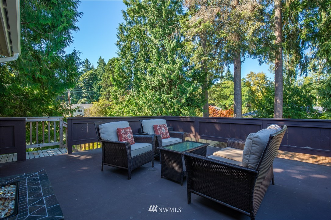 Sold Property   13311 17th Avenue NE Seattle, WA 98125 23