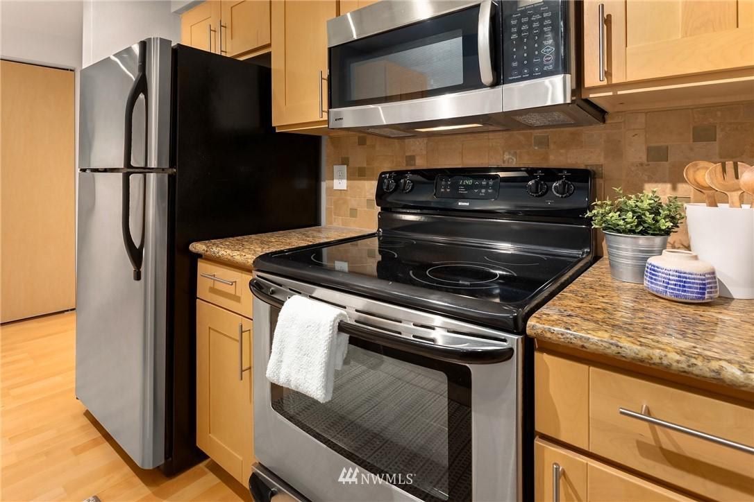 Sold Property | 6960 California Avenue SW #A209 Seattle, WA 98136 9