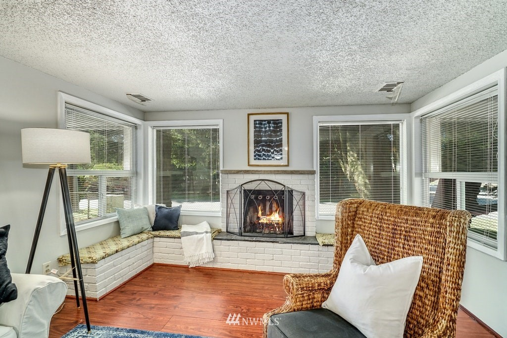 Sold Property | 14054 17th Avenue NE Seattle, WA 98125 2
