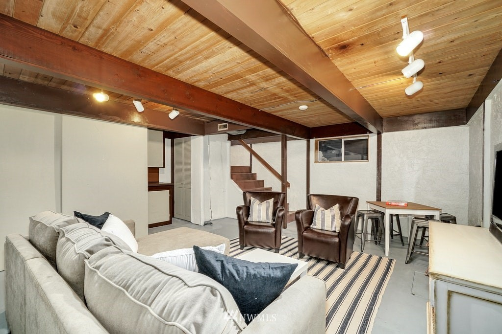Sold Property | 14054 17th Avenue NE Seattle, WA 98125 15