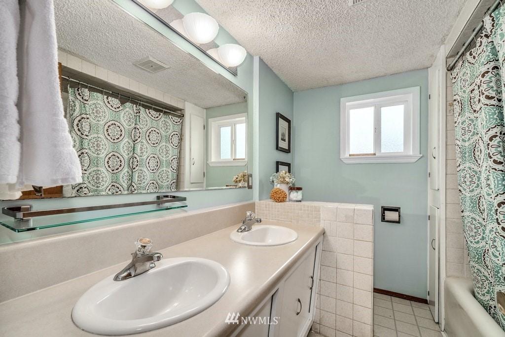 Sold Property | 14054 17th Avenue NE Seattle, WA 98125 16