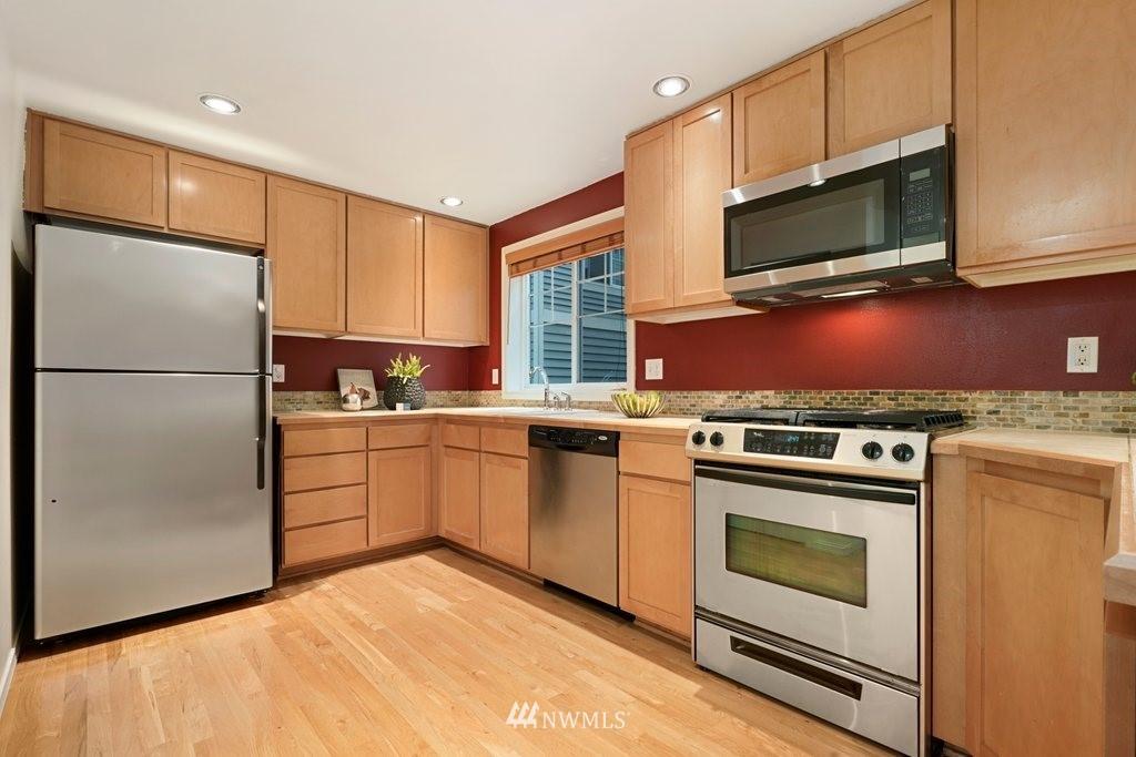 Sold Property   10504 Whitman Avenue N #A Seattle, WA 98133 7