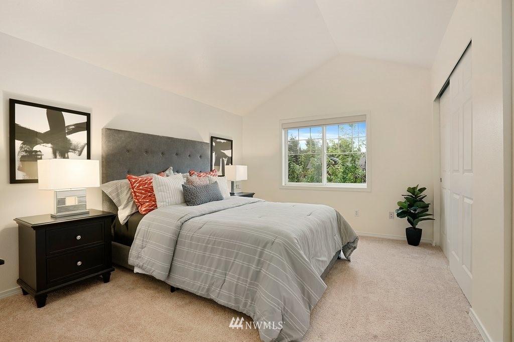 Sold Property   10504 Whitman Avenue N #A Seattle, WA 98133 16