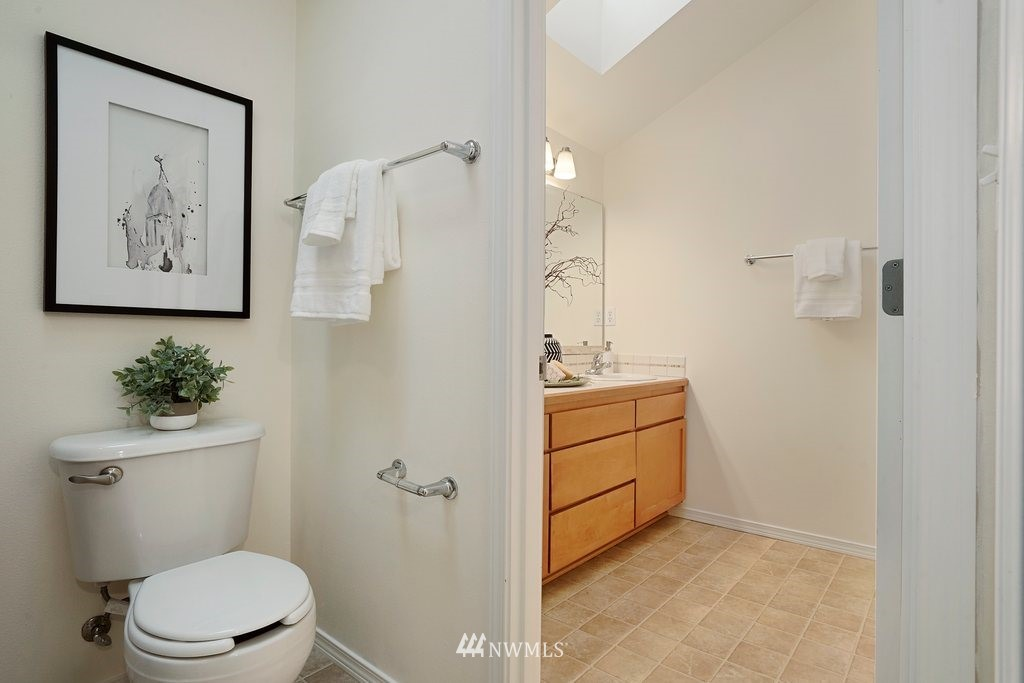 Sold Property   10504 Whitman Avenue N #A Seattle, WA 98133 19