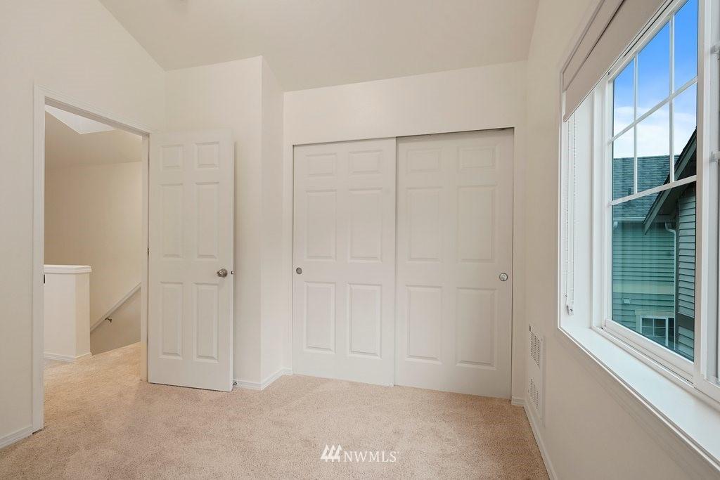 Sold Property   10504 Whitman Avenue N #A Seattle, WA 98133 23