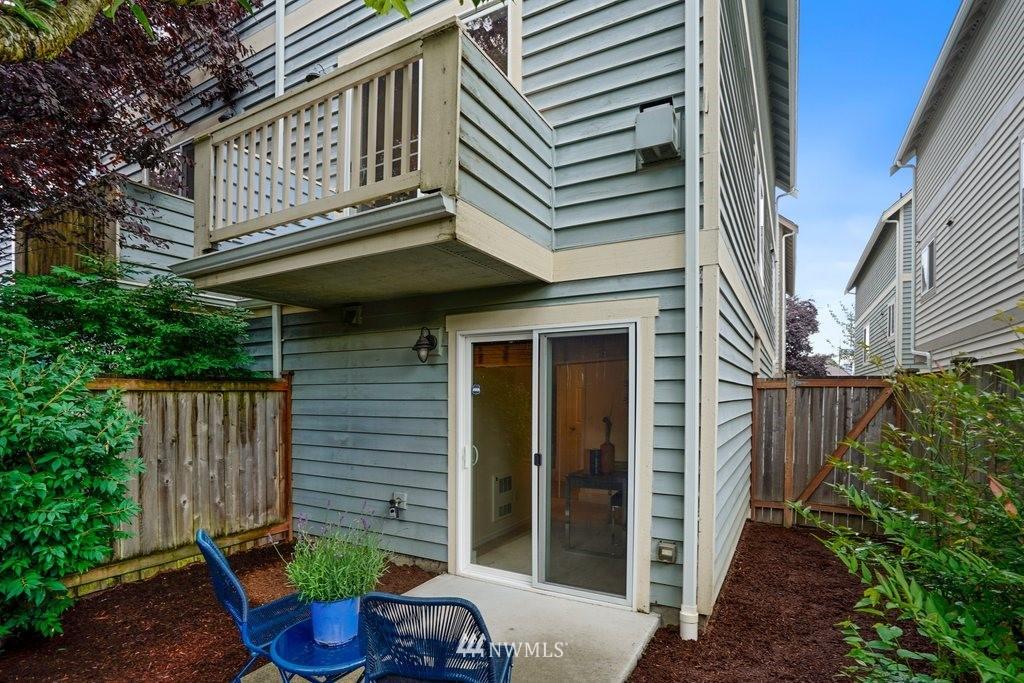 Sold Property   10504 Whitman Avenue N #A Seattle, WA 98133 27