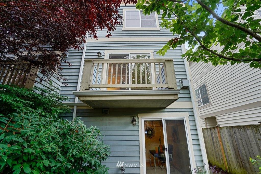 Sold Property   10504 Whitman Avenue N #A Seattle, WA 98133 28