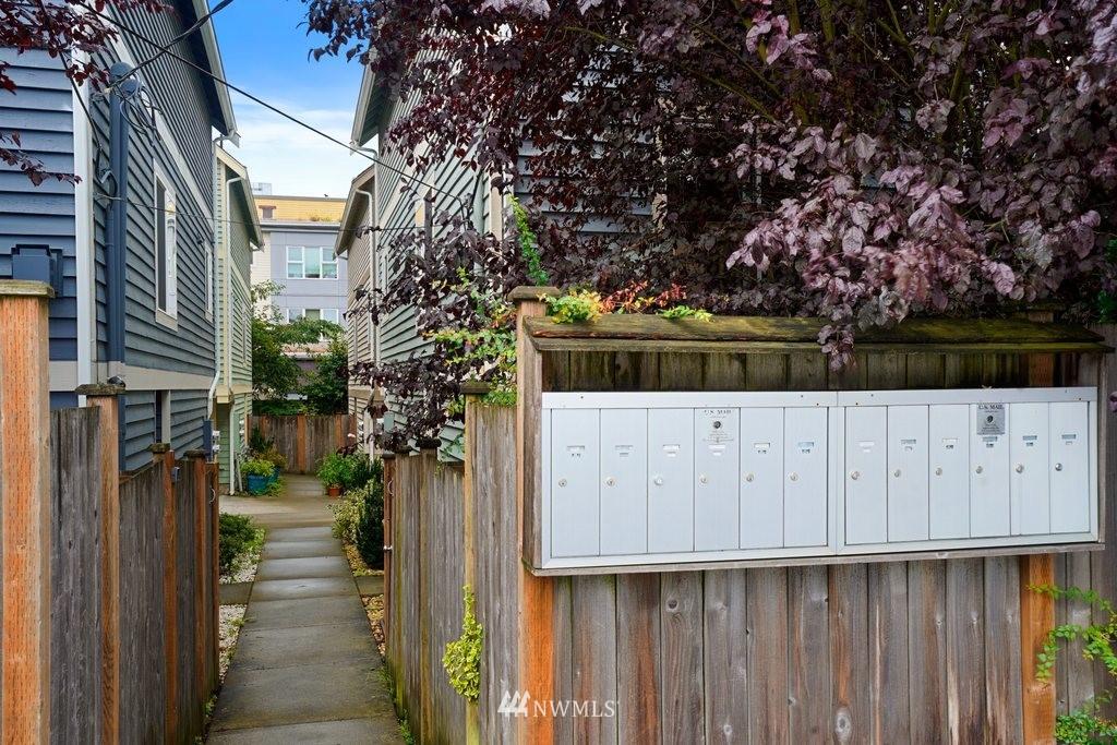 Sold Property   10504 Whitman Avenue N #A Seattle, WA 98133 31