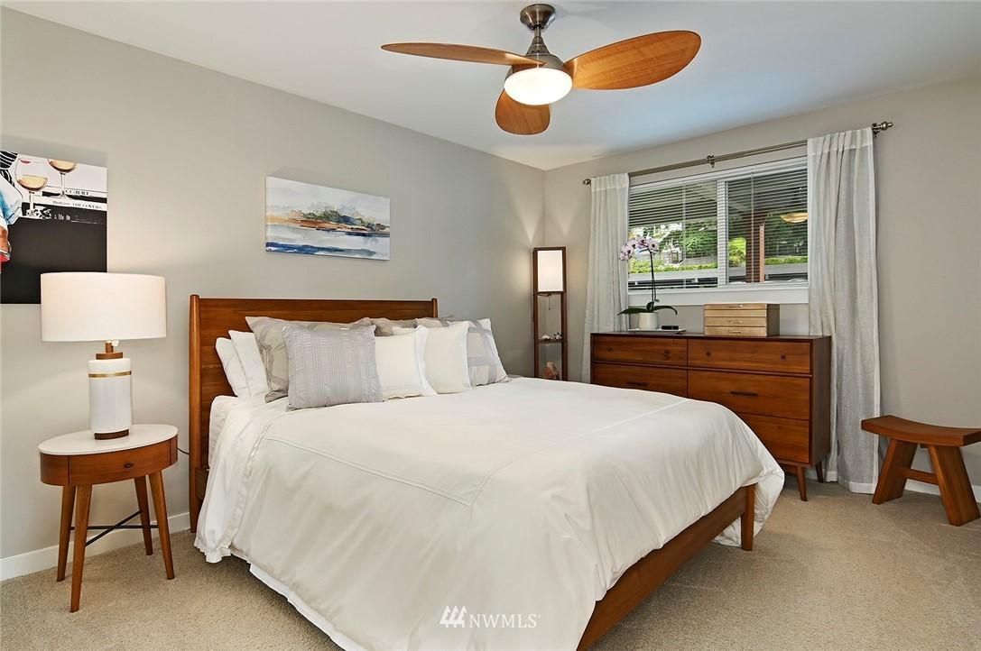 Sold Property | 701 122nd Avenue NE #204 Bellevue, WA 98005 13