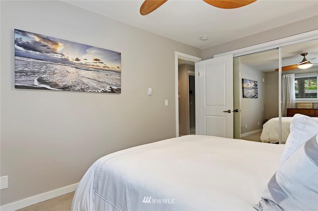 Sold Property | 701 122nd Avenue NE #204 Bellevue, WA 98005 14