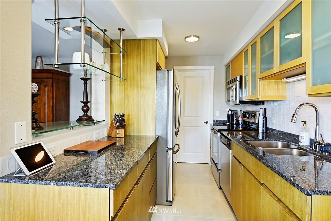 Sold Property | 701 122nd Avenue NE #204 Bellevue, WA 98005 7