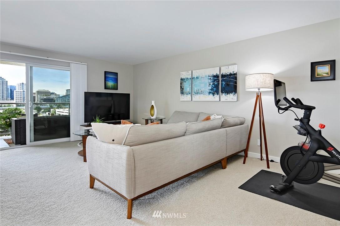 Sold Property | 701 122nd Avenue NE #204 Bellevue, WA 98005 10